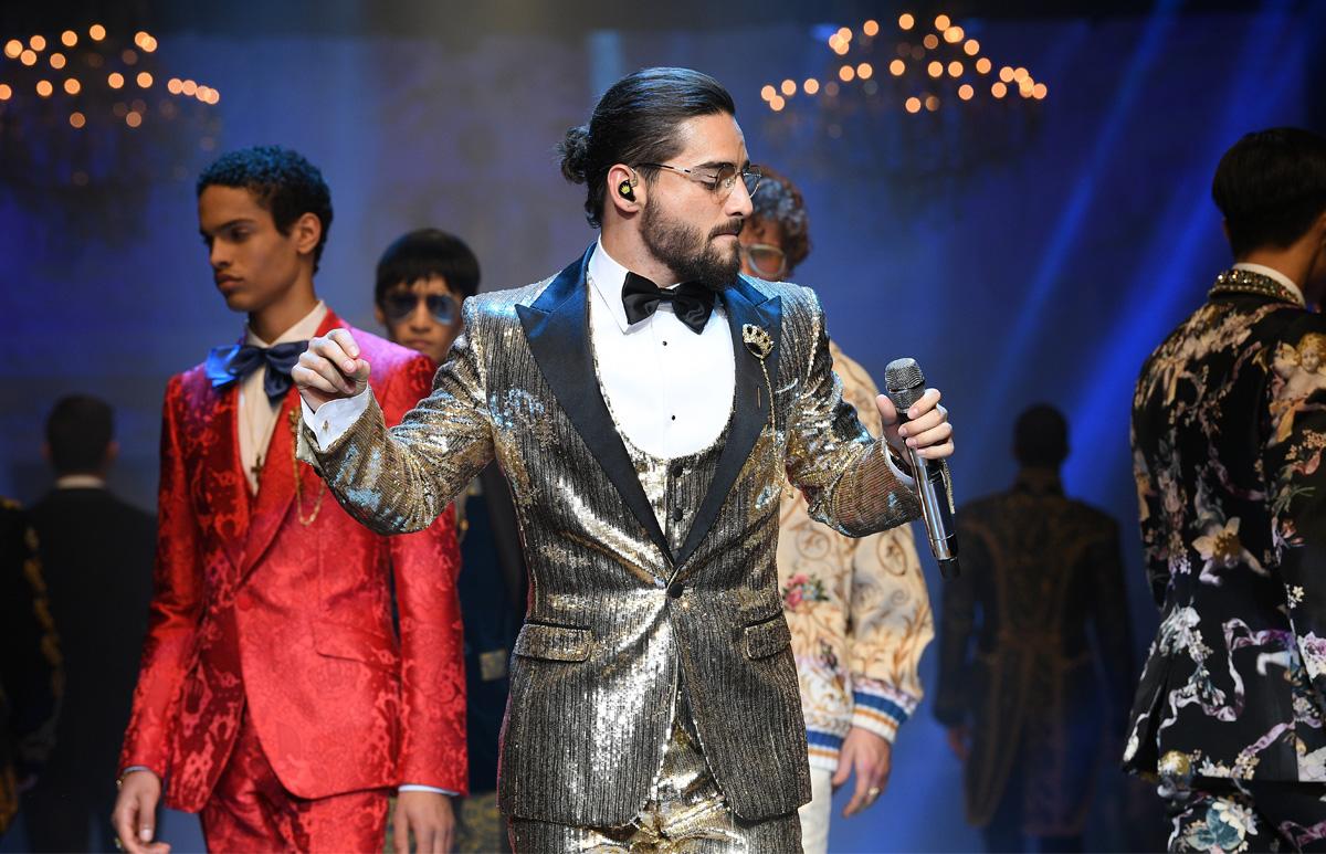Maluma cantó y modeló para Dolce   Gabbana en Italia - Mix Radio 26844e0817